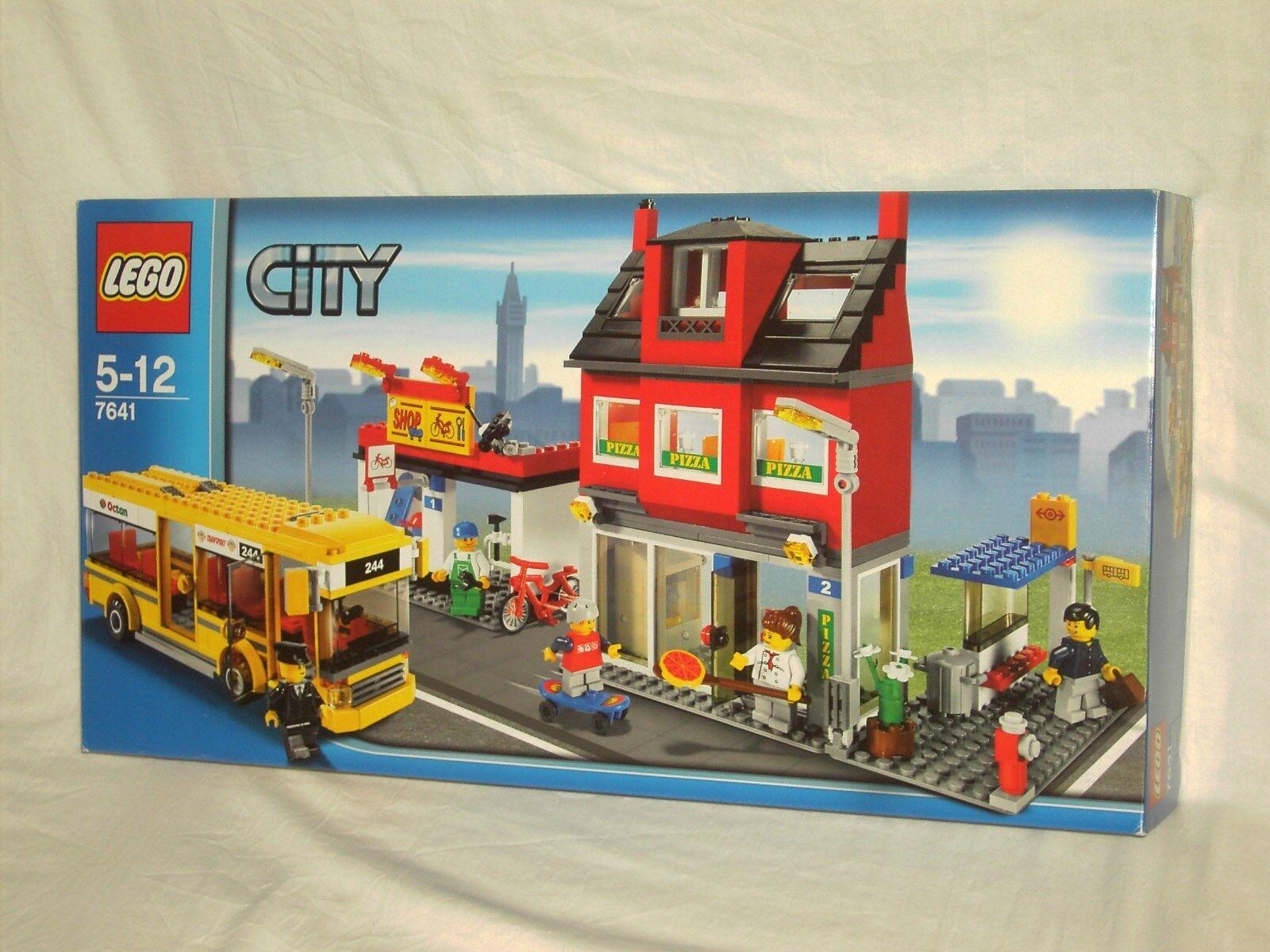 LEGO CITY  7641 - CITY CORNER         NEW AND SEALED