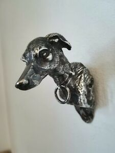 Buste-de-chien-Greyhound-en-bronze-argente-ancien