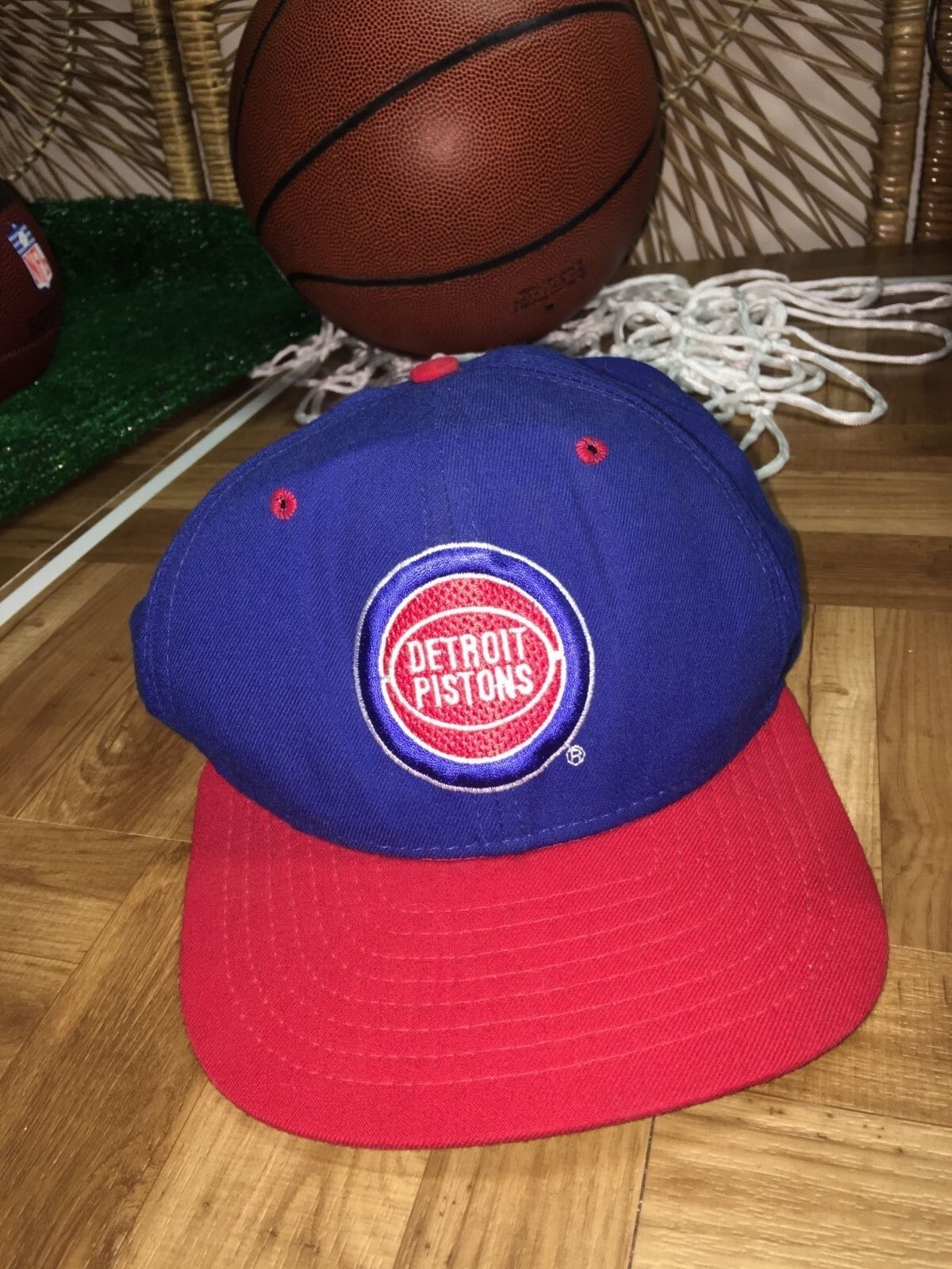 timeless design 4418b 7c2ba ... cheap new vintage era detroit pistons snapback vintage new see disc. h2  bd091a a2859 5c97c