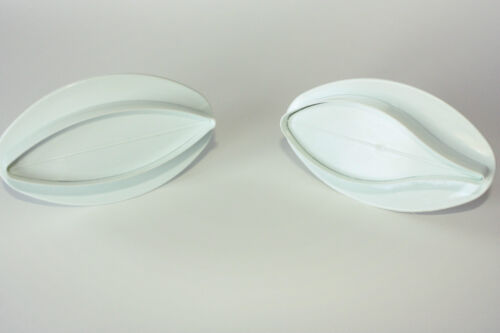 Sugarcraft Cake Decorating Set of 2 Lily Plunger Cutters Large Veined