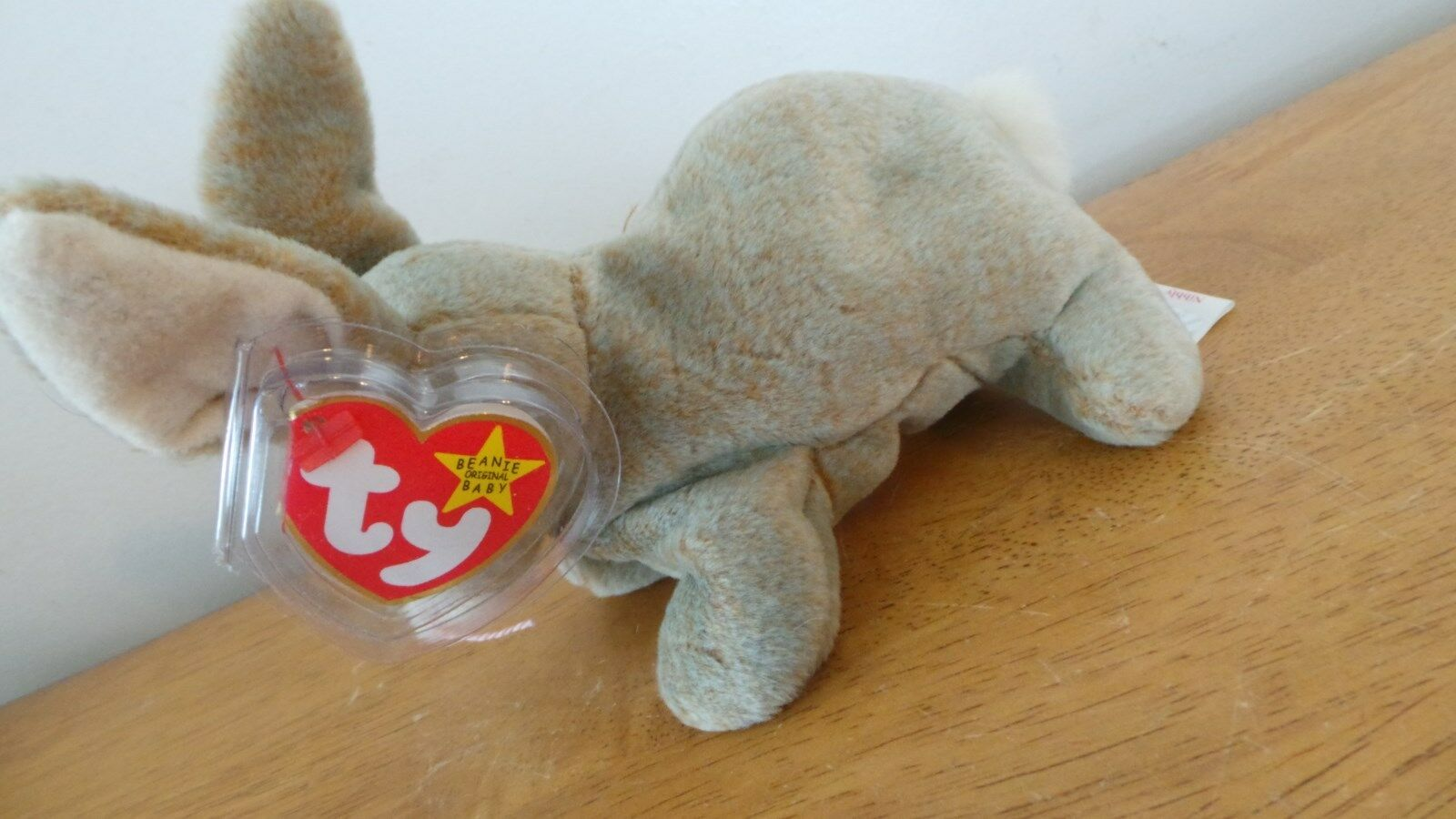 Nibbly the Rabbit Ty Beanie Baby, Rare 4 ERRORS NEW with Tags and tag predector