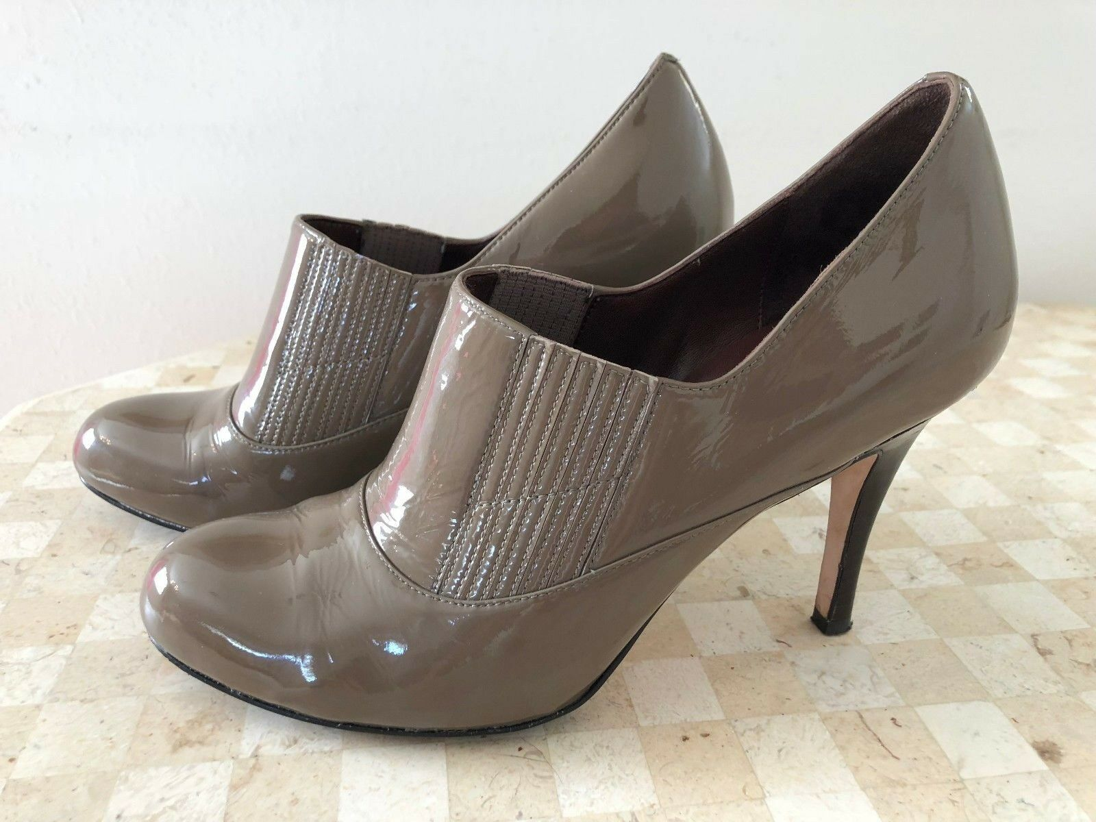 COLE HAAN Taupe Patent Leather Air Ankle Booties 9M