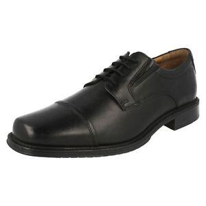 Cuero Ajuste Driggs Hombre Clarks Zapatos G Gorra Elegantes Cordones Con Negro Utan6qnzxS