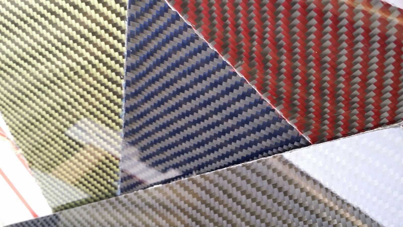 Panel de fibra de vidrio fibra de carbono Kevlar híbrido de 12  × 66  × 1 32  amarillo brillante de un lado