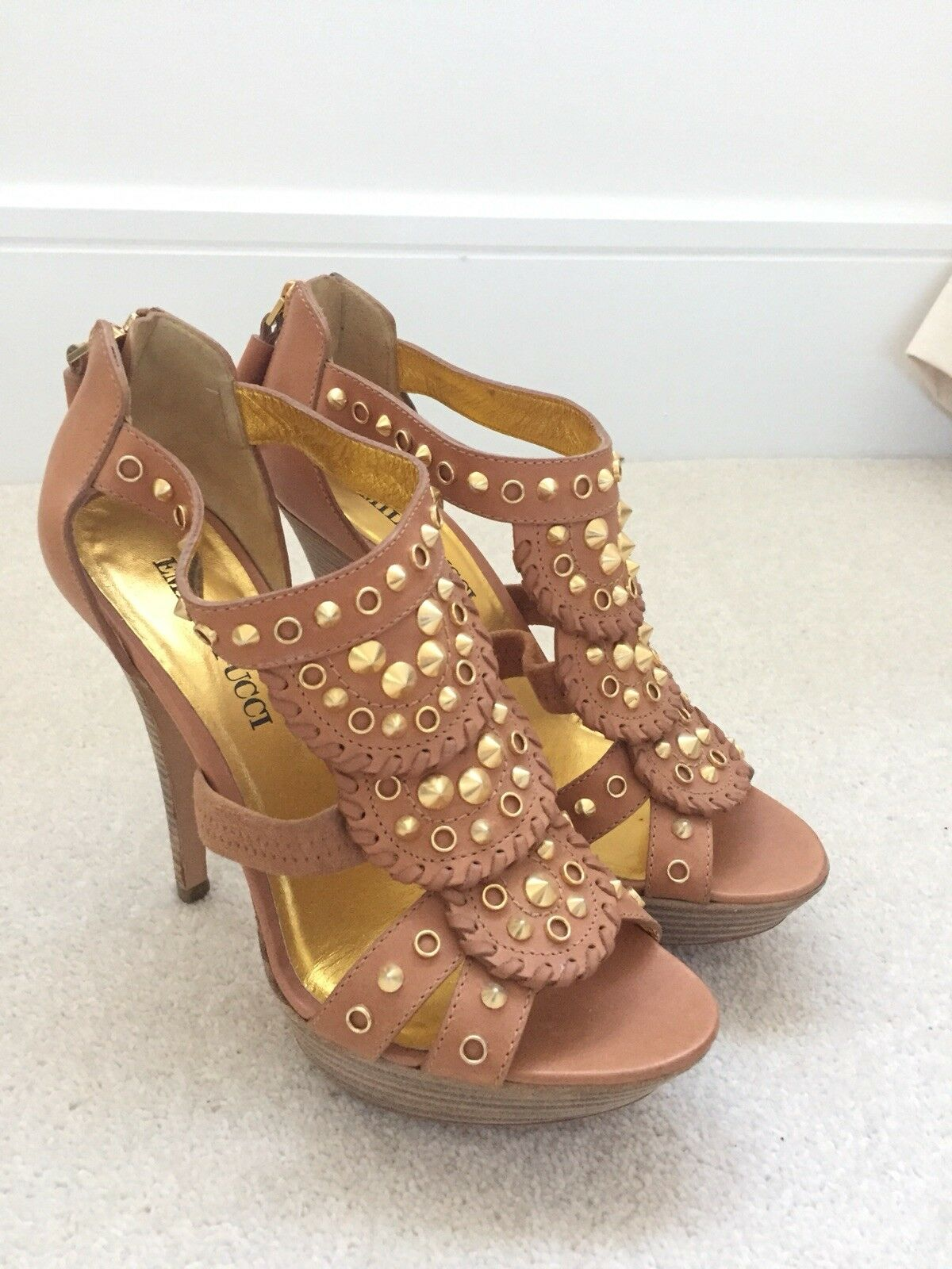 Emilio Pucci Pucci Pucci Tan Leather gold Stud Heel Sandals   Size 36   UK 3 ebcef7