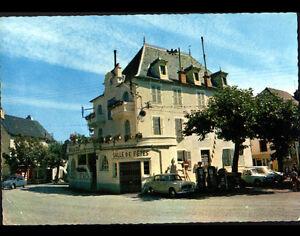 RIGNAC (12) CITROEN 2CV , AMI 8 & PEUGEOT 403 à la SALLE DES FETES en 1976