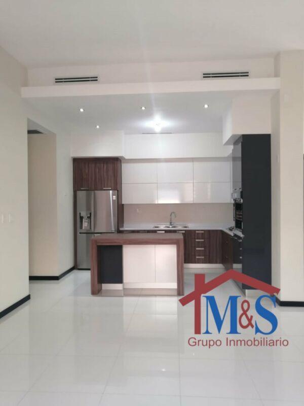 Casa en renta en Aurea residencial uno de los mejores residenciales en zona Dorada