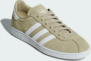 hot sale online 02d89 16ec0 Image is loading adidas-Originals-Munchen-Trainers-Adults-Junior-Sizes- Available
