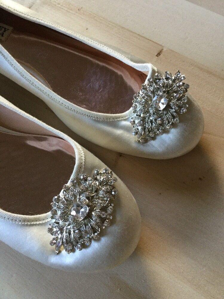 BADGLEY MISCHKA Wedding Beige Satin Jeweled Flats Damenschuhe 8 1/2 Ex Pre Cond Fem..