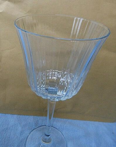 17182. Weingläser Weinglas klar geriffelt 6 Stück 20,5 cm