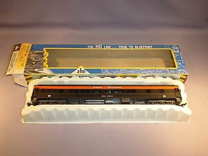 AHM-Rivarossi-HO-New-Haven-034-Fox-Point-034-1920-Pullman-Passenger-Car-C-7