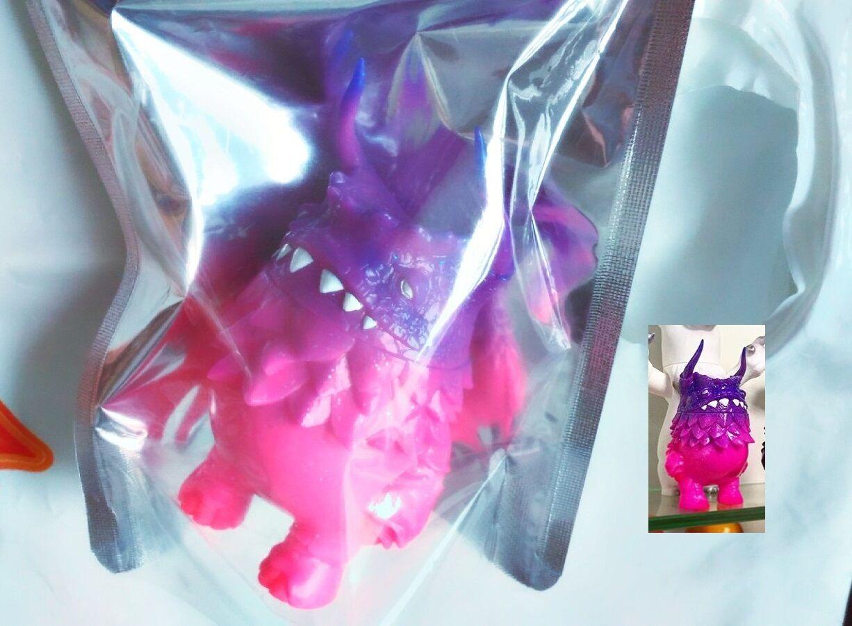 Dan Kaiju pogola Mancha Vinilo Figura sofvi versión de Color firmado SVF Angel Abby