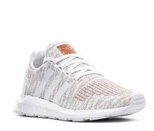 Adidas Originals Swift Run Womens Running Trainers EG7983 Cloud blanc métallisé