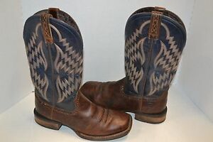 fb086004367 ARIAT TYCOON BAR TOP BROWN BLUE BROAD SQUARE TOE 10 D WESTERN BOOT ...