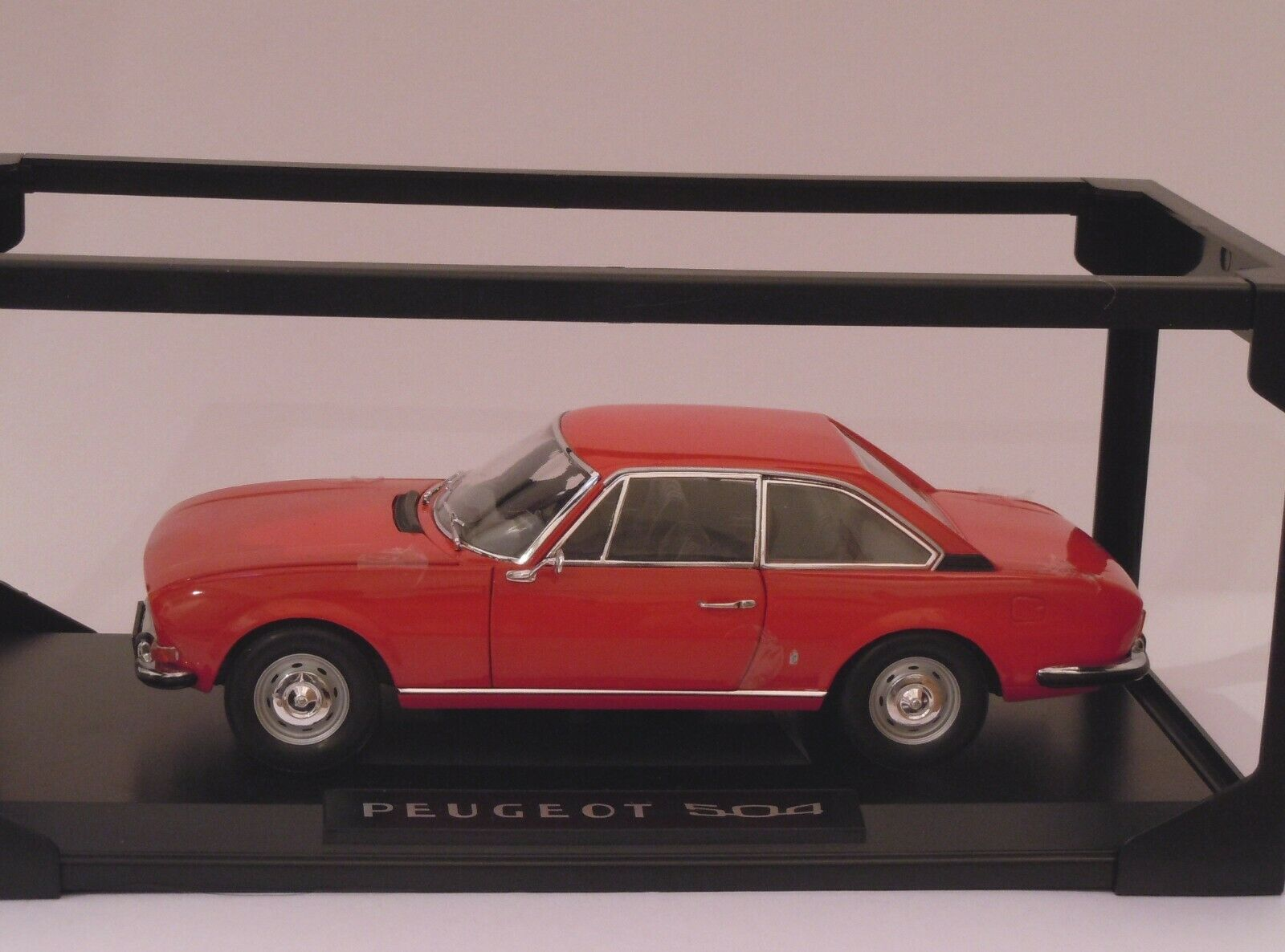 PEUGEOT 504 rojo DIECAST SCALE 1 18 NEW NEW NEW c152ea