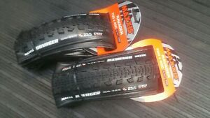 2-x-Maxxis-Ravager-700x40-Silk-Shield-TR-tubeless-ready-60-tpi-gravel-tyre