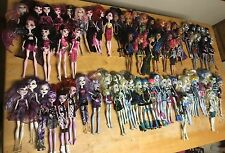 MONSTER HIGH DOLL LOT, 109 DOLLS, EXTRA CLOTHES,SHOES,SETS, ACCESSORIES