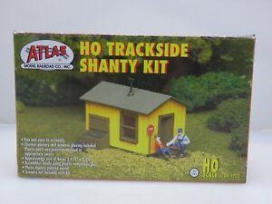 Atlas Track Side Shanty Kit HO 702