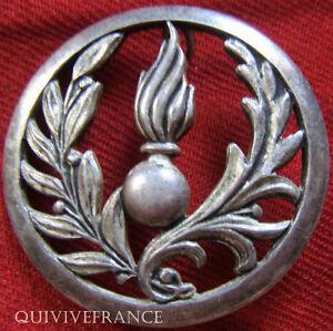 IN5669-INSIGNE-de-beret-Intendance-Commissariat-Coinderoux-grave