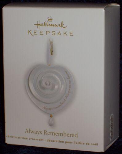 New /& Mint 2011 Hallmark ALWAYS REMEMBERED Beautiful Memorial Keepsake Ornament