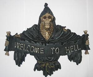 Welcome-to-Hell-Tuerschild-Wandbild-Relief-Totenkopf-Skull-Kunststein-24x20x3cm