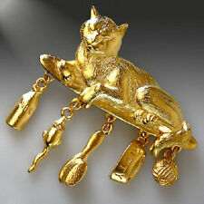 JJ VINTAGE KITTY CAT ARTICULATED DANGLE CHARMS GOLD TONE BROOCH