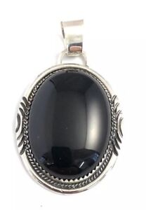 Native-American-Sterling-Silver-Navajo-Handmade-Black-Onyx-Pendant