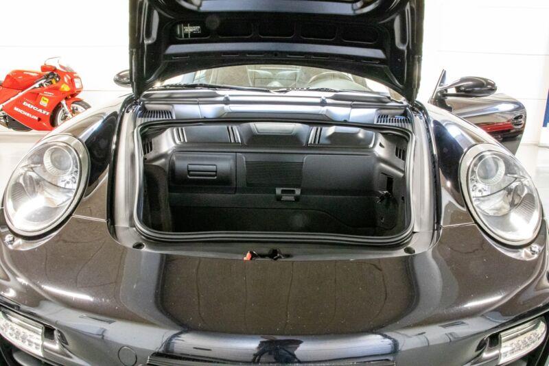 Porsche 911 Turbo Coupé Tiptr. - 12