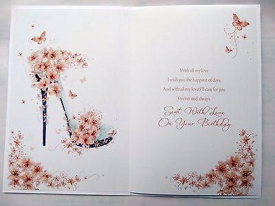 Para una esposa muy querido Flores Mariposa Y Diseño De Zapato Tarjeta De Cumpleaños Feliz