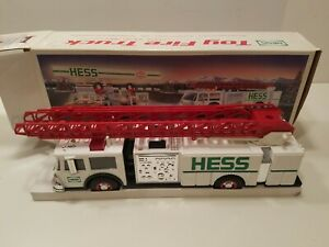 HESS* 1989* WHITE* FIRE* TRUCK* BANK* TOY* TRUCK*  MINT* IN* BOX*