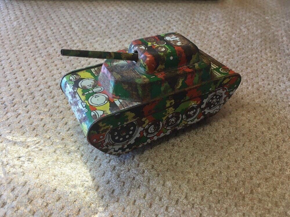 Very Rare And Vintage Codeg Tinplate Tank Toy - Unusual Colour - No. 226