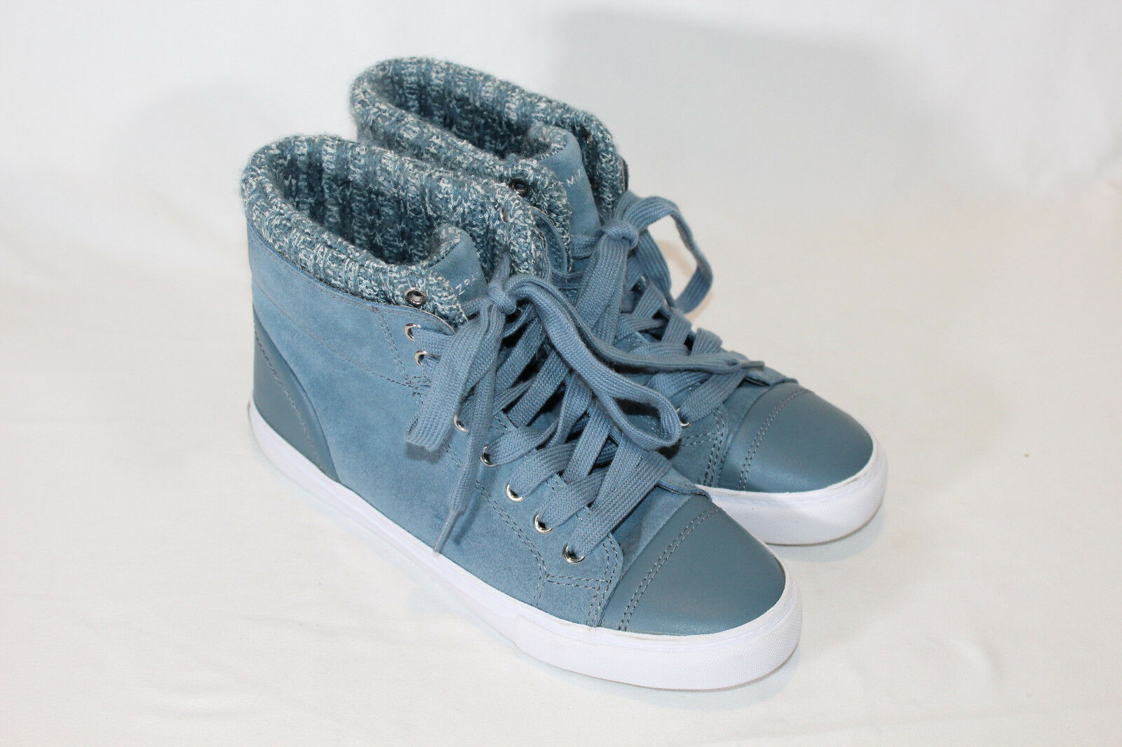 Isaac Mizrahi Live  SOHO Sneakers 6.5 MEDIUM blueE