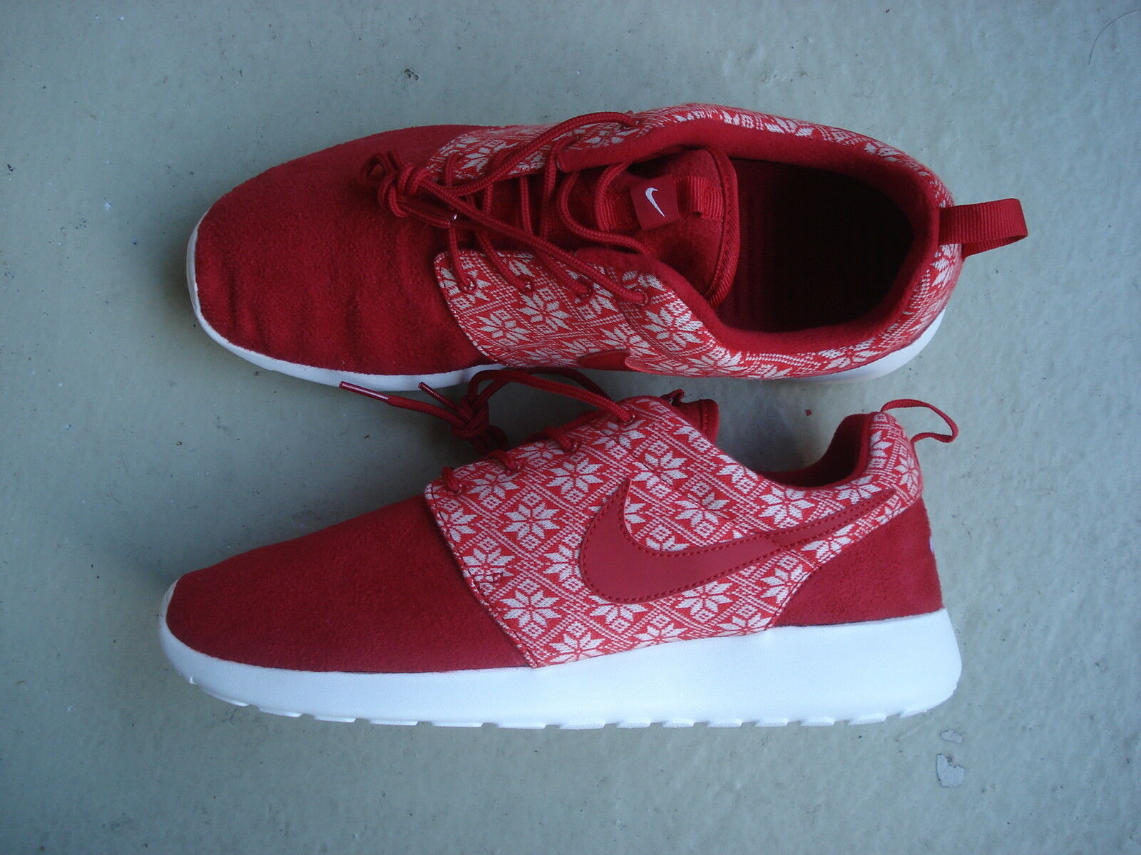 Nike Air Roshe One Winter 44.5 Gym Red/Gym Red-Sail