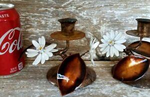 Vintage-Tole-Metal-Candle-Sticks-Pair-Holders-Copper-Enamel-Flower-Leaves-Daisy