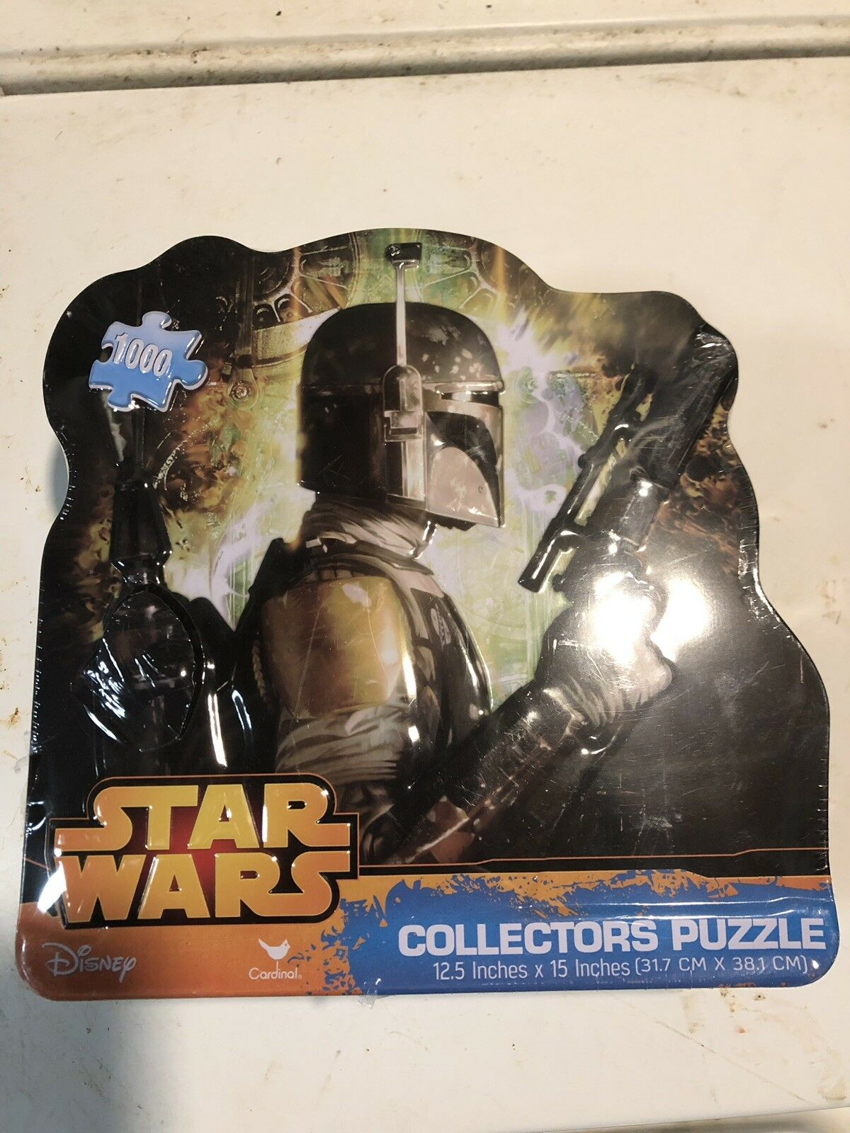 Star Wars Collectors Puzzle Boba Fett 1000 pieces in Shaped Tin