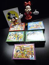 Lot d'articles Mini Puzzles Schmidt Walt Disney + figurines + Autocollant Mickey