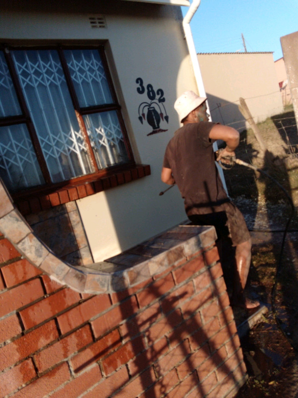 Roof,wall,gutters and all exterior household cleaning