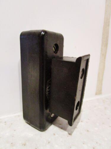ancienne  tabatière en bakélite noire avec fusible 10A//250V