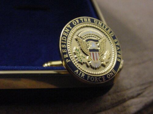 Pair of presidential  BARACK OBAMA  Air Force One cufflinks