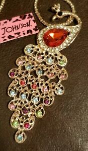 Betsey-Johnson-Peacock-Multi-Color-Inlay-Crystals-Bird-Pendant-Gold-Necklace-NWT