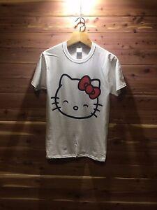 Hello-Kitty-T-shirt