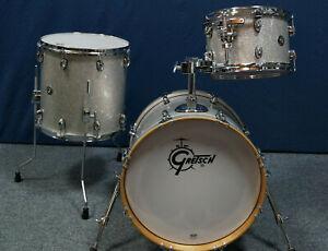 """Gretsch Catalina Club Jazz  Shellset in """"Silver Sparkle"""" - 18,12,14"""" + Tomhalter"""