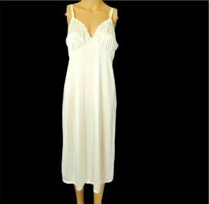 Vintage-Shadow-Line-Full-Slip-38-28-Cream-Lingerie-Nylon-Lace-Bodice-amp-Hem-Women