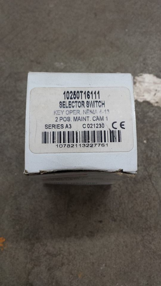 Cutler Hammer Interruptor Selector 10250T-16111 9C 9C 9C 974e4e