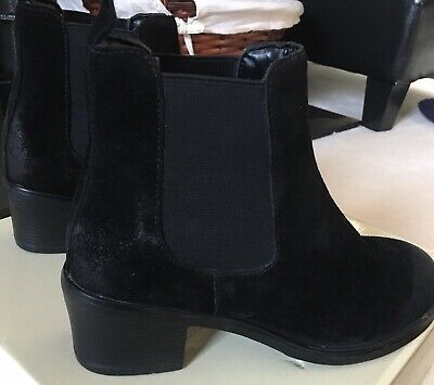 black ankle boots rubber heel