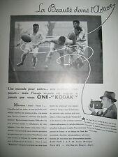 PUBLICITE DE PRESSE KODAK CINE-KODAK CAMERA LA BEAUTE DANS L'ACTION RUGBY 1932
