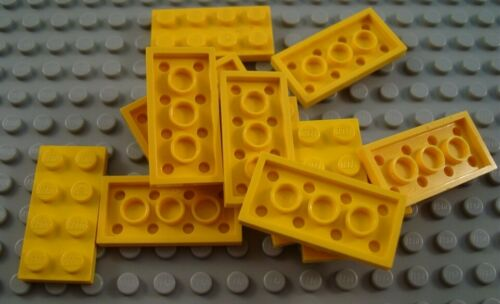 LEGO Lot of 12 Yellow 2x4 Flat Plate Pieces