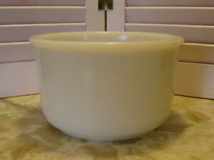 Vintage-Small-White-Milk-Glass-Mixing-Bowl-Sunbeam-Oster-Stand-Mixer-Bowl