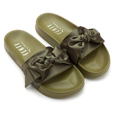 pretty nice 008b7 ee5d4 NEW PUMA Women's FENTY x PUMA Bow Slides - Size 6.5M 190276352146 | eBay