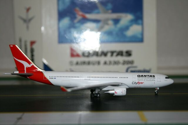 NG Model 62001 Airbus A330-343 Swissair HB-JHC in 1:400 Limited Edition